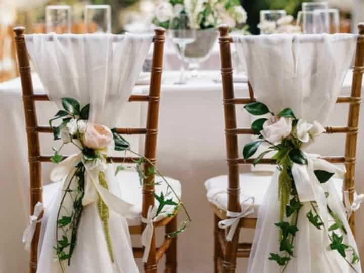 decoracion-de-sillas-para-bodas-consejos-para-instalar-tus-sillas-online
