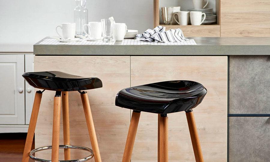 mesas-y-sillas-bar-consejos-para-instalar-tus-sillas-on-line