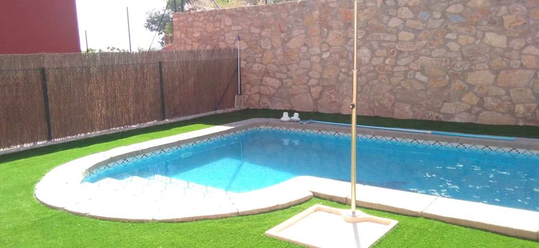 bordes-para-piscinas-opiniones-para-instalar-tu-piscina-online