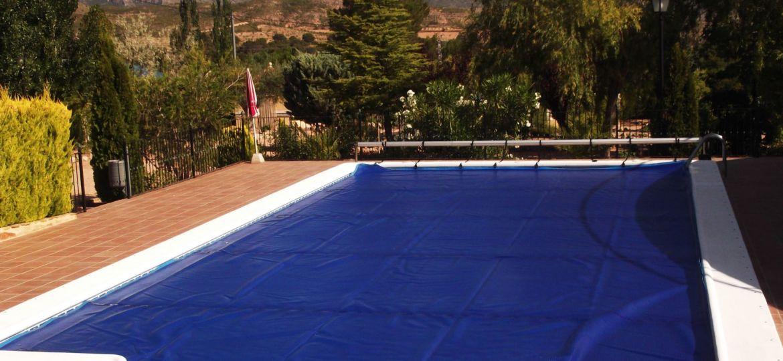 cubiertas-para-piscinas-baratas-ideas-para-instalar-tu-piscina-online