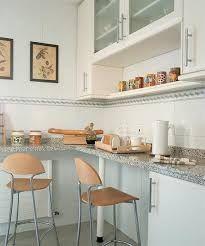 mesa-de-cocina-con-taburetes-consejos-para-instalar-tu-mesa