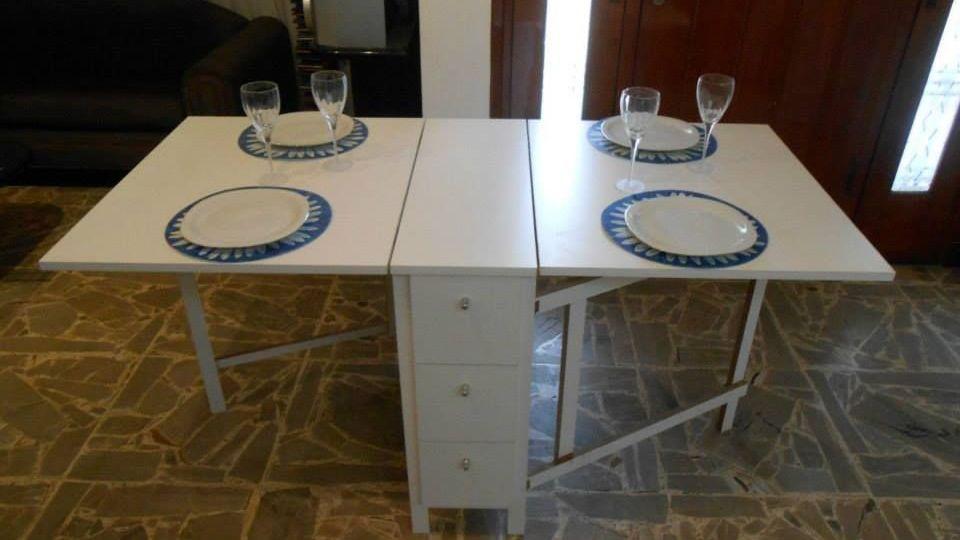 mesa-de-salon-plegable-consejos-para-comprar-tu-mesa-on-line