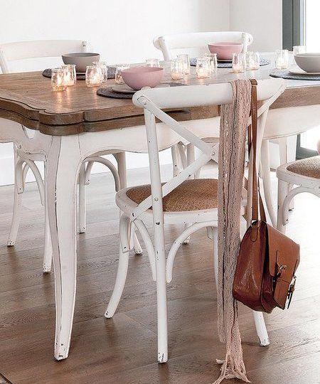 mesa-y-sillas-blancas-trucos-para-montar-tu-mesa-online