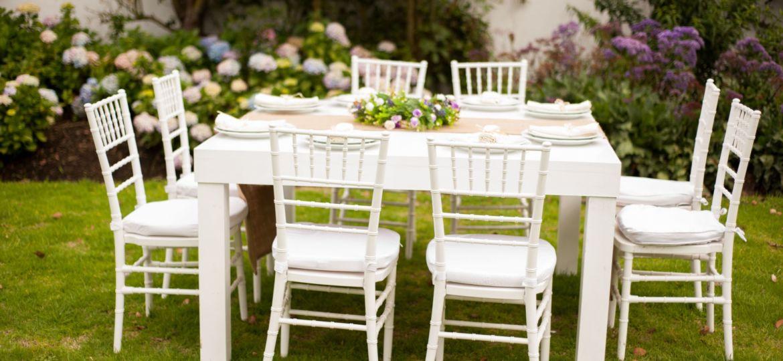 mesas-de-jardin-blancas-ideas-para-montar-la-mesa