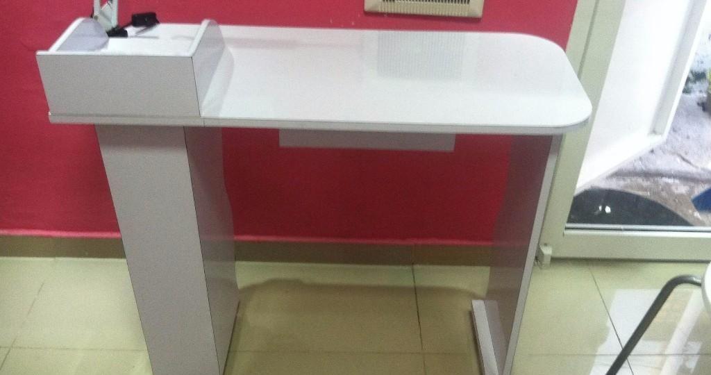 mesas-para-manicura-segunda-mano-consejos-para-instalar-tu-mesa-online