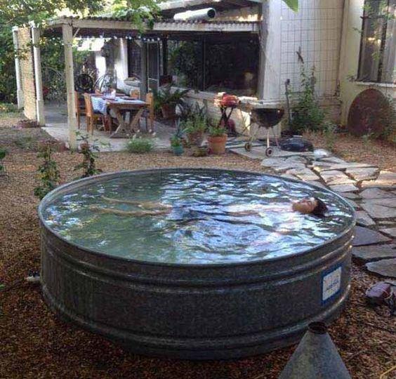 piscinas-jardin-ideas-para-comprar-tu-piscina-on-line