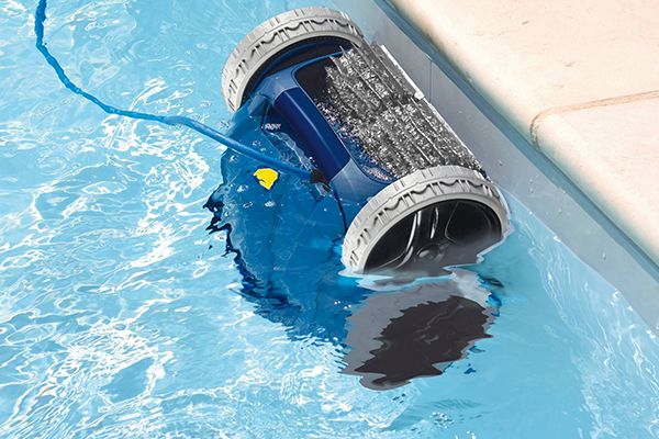 robot-limpia-piscinas-opiniones-para-instalar-tu-piscina-online