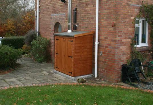 armario-de-madera-exterior-consejos-para-comprar-tu-armario
