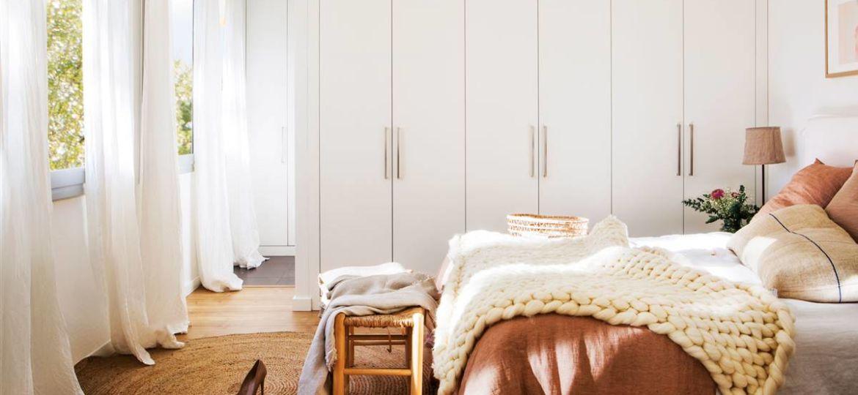 armario-estanteria-con-puertas-consejos-para-comprar-tu-armario-online