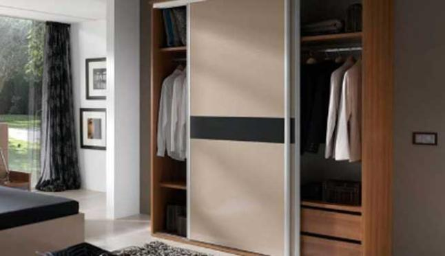 armarios-de-con-puertas-correderas-trucos-para-montar-tu-armario-online
