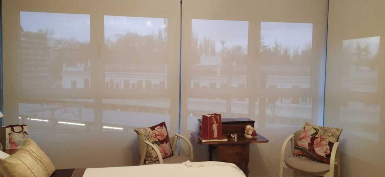 armarios-sin-puertas-con-cortinas-tips-para-montar-tu-armario-online