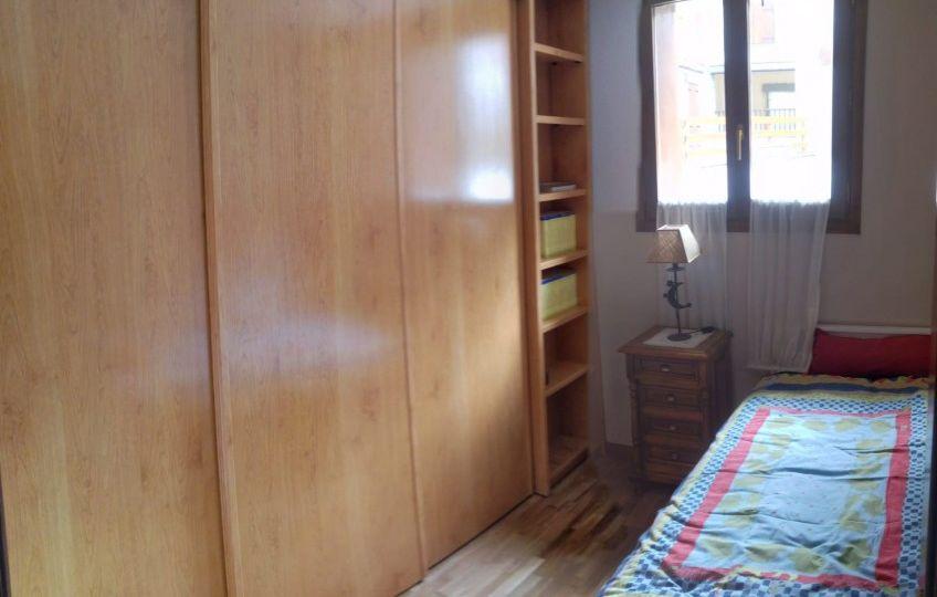 vinilos-para-puertas-de-armarios-empotrados-consejos-para-instalar-el-armario